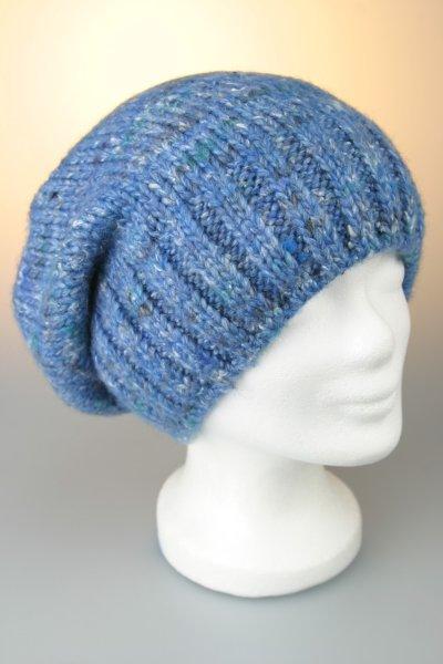 Damenstrickmütze, oversized, Handarbeit mit Fleece Blau