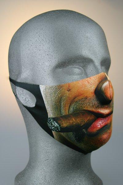 Mund- und Nasenmaske, Gesicht hautfarbend mit Zigarre